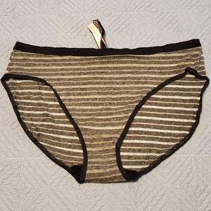 Victoria's Secret brief, size L
